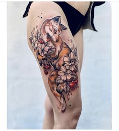 Fox Tattoo Men, Fox Tattoo Design, Tattoo Designs, Pretty Tattoos, Cute Tattoos, Beautiful Tattoos, Body Art Tattoos, Feminine Thigh Tattoos, Floral Thigh Tattoos