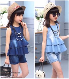 Niñ@s a la moda ;) Outfits Niños, Cute Girl Outfits, Little Girl Dresses, Kids Outfits, Little Girl Fashion, Kids Fashion, Stylish Kids, Denim Fashion, Kids Wear