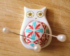 DIY owl pin cushion by Nette. Super cute. #sewing