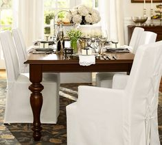 Great dining room table and chairs.  Great casual look.