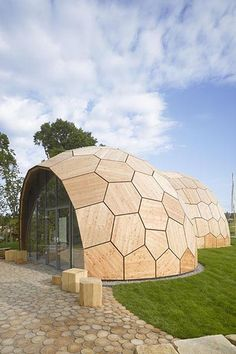 The Landesgartenschau Exhibition Hall - robotica university Little geodesic half domes. Dome Structure, Geodesic Dome Homes, Dome House, Earthship, House Layouts, Interior Architecture, Bungalow, Building A House, Design Case