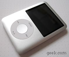 Apple iPod Nano G3 (4 gigabyte) (My third iPod) (hand-me-down)