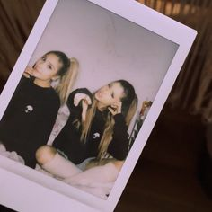 "Ariana via instagram: ""come home @saschapr"""