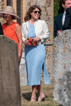 Happy Birthday Princess Eugenie: the royal's most stylish fashion moments Happy Birthday Princess, Duchess Of York, Princess Eugenie, She Girl, Lady Diana, Royal Fashion, Cool Outfits, Duster Coat, Victoria