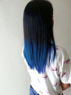 New Hair Highlights Blue Ombre Ideas Blue Tips Hair, Dark Blue Hair, Hair Color Blue, Hair Dye Colors, Cool Hair Color, White Hair, Blue Dip Dye Hair, Dye My Hair, Pelo Color Azul