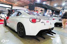 2015年東京オートサロン At the TRD booth, Toyota's in-house tuning arm has been very busy whipping performance-increasing aero parts for their only production coupe.