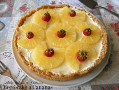 Cheesecake con ananas fresca, profumata e golosa.Torta fredda ideale per le ricorrenze speciali, per il pranzo della domenica.