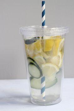 Heerlijk verfrissend: water met fruit
