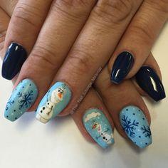Frozen' Olaf nail art design
