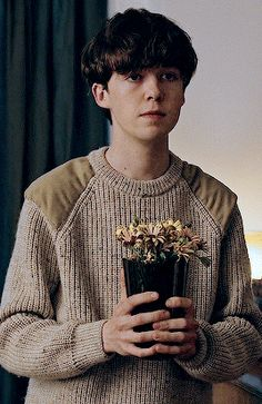 The end of the f***ing world, Alex Lawther, GIF. Netflix Series, Series Movies, Tv Series, The End, End Of The World, Movies Showing, Movies And Tv Shows, James And Alyssa, Imitation Game