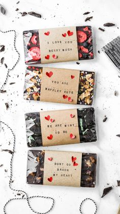These homemade chocolate bars are the perfect homemade valentine's day gift! Complete with a variety of options, funny puns, and homemade wrappings, these are the cutest DIY chocolate bars for someone you love! gifts Homemade Chocolate Bars with DIY Wraps Homemade Chocolate Bars, Chocolate Diy, How To Make Chocolate, Diy Chocolate Wrapping, Chocolate Bar Recipe, Artisan Chocolate, Chocolate Bouquet, Chocolate Brownies, Homemade Valentines
