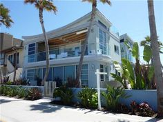 A remodel top floor oceanfront complex with a total of 346 square feet size. http://teamaguilar.com/san-diego-ca-homes/3275-ocean-front-walk-10-san-diego-ca-92109-1004411616/