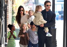 Happy Father's Day Brad! Brad Pitt and Angelina Jolie with their kids #fathersday