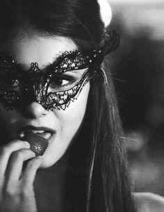 ▶ Nina Dobrev as Katherine Pierce. The Vampire Diaries - Masquerade. Vampire Diaries Poster, The Vampire Diaries 3, Vampire Diaries Seasons, Vampire Diaries Wallpaper, Vampire Diaries The Originals, Katherine Pierce, Damon Salvatore, Delena, Nina Dobrev