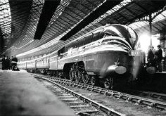 "LMS Princess Coronation class 4-6-2 number 6220 ""Coronation""."