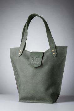 Hey, I found this really awesome Etsy listing at https://www.etsy.com/listing/226199592/leather-tote-bag-with-outside-pocket