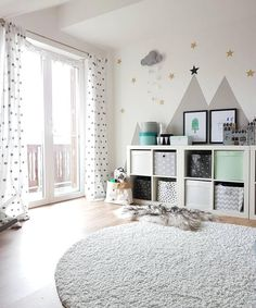 A wonderful playroom for girls and boys! Every child likes it here, lovingly furnished with childlike interior ideas - a cozy carpet on which you can play perfectly. // Nursery Ideas Inspiration Carpet Shelf Storage Mint Turquoise Images Fur Window N Baby Room Boy, Baby Room Decor, Nursery Room, Girl Nursery, Girl Room, Girls Bedroom, Nursery Decor, Nursery Ideas, Bedroom Ideas
