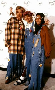 We all need a little TLC🔥 00s Fashion, 90s Fashion Grunge, Hip Hop Fashion, Fashion Outfits, Queer Fashion, Rock Fashion, Urban Fashion, Fashion Styles, Fashion Trends