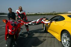 Kostas Kalantzopoulos tried the Ferrari and didn't want to get back on his Ducati 999. We had to pull him because it was my turn to drive the car!!!