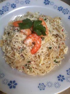 spaghetti aglio olio with shrimp