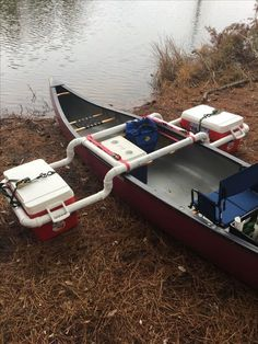 Outriggers: dual purpose (like EVERYTHING you take should be) - genius #canoetips #DIYBoatIdeas
