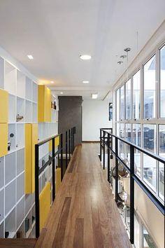Pasillo interior - Oficina en San Pablo, Brasil -FGMF Arquitetos