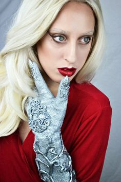 """""""Your boy has a jawline for days"""" Cosplay of Lady Gaga's 'The Countess' from American Horror Story: Hotel"""