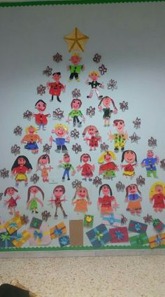 Christmas tree - what a lovely idea! A tree full of kids' self portraits :) Christmas Crafts For Kids To Make, Childrens Christmas, Preschool Christmas, Christmas Activities, Xmas Crafts, Christmas Projects, Christmas Themes, Kids Christmas, Handmade Christmas