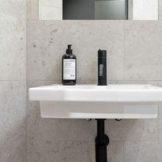 Bricmate Norrvange Granitkeramik Light Grey mm - Lilly is Love Minimal Home, Towel Hooks, Toilet, Sink, Bathroom, Grey, Home Decor, Design, Mermaid
