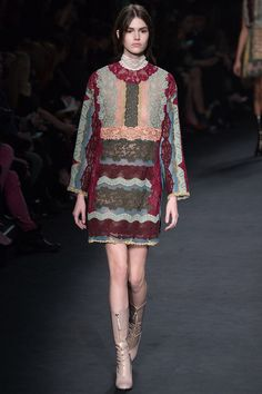 Valentino Fall 2015 RTW Runway - Vogue-Paris Fashion Week