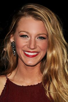 Blake Lively, summer look with dark lip