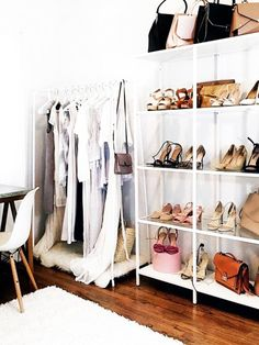 Clothes rails are cheap, let each (dressing) room airy and modern w . Wardrobe Room, Walk In Wardrobe, Closet Bedroom, Closet Space, Bedroom Decor, Walk In Closet Inspiration, Room Inspiration, Closet Vanity, Clothes Rail