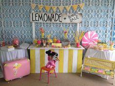 Children's Party Lemonade Stand