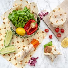 Wrappy Bee Wraps:) Say goodbye to plastic wrap , bee earth friendly and say hello to our beeswax organic wraps:) NOW available on Amazon.uk and Amazon.de Plastic Wrap, Plastic Bags, Bees Wrap, Beeswax Food Wrap, Biodegradable Products, Veggies, Wraps, Cheese Bread, Snacks