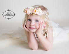 Toddler flower crown is elegant and classic in design, looks adorable on newborns to adult. » Peach flower crown is perfect for a special photo shoot. » Peachy-pink rose buds and ivory-pink flowers are a sweet and easy color combination. » Set on a white vine with white berries - also