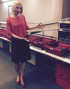 Lucy Worsley introduces the new machine to handle the Fan Mail from her many Admirers. How Lovely she looks! Dr Lucy Worsley, I Love Lucy, Tv Presenters, How To Look Better, Archaeology, Airport Security, History, Basement, Curvy