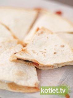 Szybka quasadilla Quesadilla, Bread, Cooking, Recipes, Food, Sour Cream, Kitchen, Quesadillas, Brot