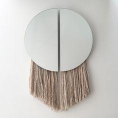 Artsy mirror | conte