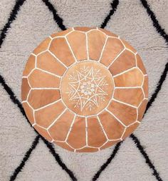 Ottoman round lether pouf Authentic moroccan pouf A little about Our Moroccan Leather Authentic round leather moroccan ottoman are Veneer from Marrakech Brown Ottoman, Leather Pouf Ottoman, Moroccan Leather Pouf, Moroccan Pouf, Pouf Cuir, Living Room Pouf, Crochet Pouf, Square Pouf, Floor Pouf