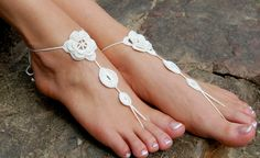 Crochet+sandales+aux+pieds+nus+mariage+plage+de+luludress+sur+DaWanda.com