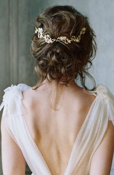 Featured Photographer: Laura Gordon Photography, Featured Hair Accessory: Liv Hart