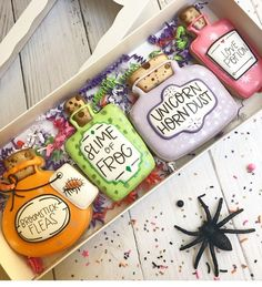 Halloween Magic pick your poison potion cookies Crazy Cookies, Fall Cookies, Iced Cookies, Cute Cookies, Sugar Cookies, Cookies Et Biscuits, Halloween Magic, Halloween Baking, Halloween Cakes
