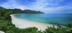 La Datai Bay nell'isola di #Langkawi. Una delle destinazioni preferite in Malesia per coloro che cercano mare e relax