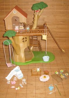 Calico Critters Adventure Tree House Gift Set Figures Playset with Bonus Items #InternationalPlaythings
