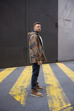 Levi's & Justin Timberlake Reveal New Menswear Collection Justin Timberlake Tour, Streetwear, New Mickey Mouse, Renaissance Men, Ideal Man, Urban, Poses, Hollywood Celebrities, Britney Spears