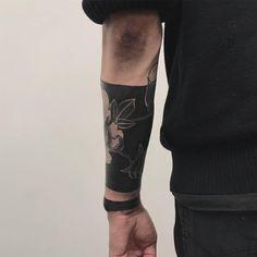 Yg Tattoos, Body Art Tattoos, Sleeve Tattoos, Solid Black Tattoo, Black Tattoos, Tattoo Goo, Blackout Tattoo, Star Wars Clone Wars, Character Aesthetic