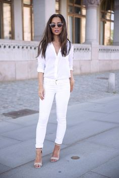 """White on white street style"" - Love this white on white trend.. I don't have any white heels though. :( I have nude.. would that still look good?"