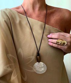 Scarf Jewelry, Boho Jewelry, Jewelry Crafts, Beaded Jewelry, Jewelery, Jewelry Necklaces, Handmade Jewelry, Jewelry Design, Fashion Necklace