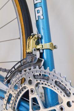 Mercier service des courses Mafac Gold, Simplex Gold, Stronglight Competition, Selle Idéale. Vintage Bike Mercier, Service, Courses, Bicycle, Colours, Nice, Vintage, Bike, Bicycle Kick
