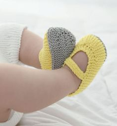 chaussons mimosa chaussons layette modle chaussons sandales phildar tricot petits projets tricots pour bbs catalogue